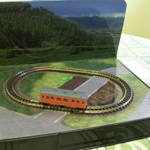 Rokuhan, Japanese Z gauge, ready to run shorty layout